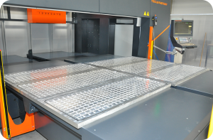 Vacuum table with zones